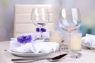 Table arrangement in restaurant
