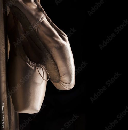 Pointe Shoes © hitdelight