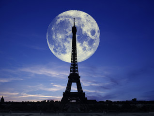 La tour e la luna