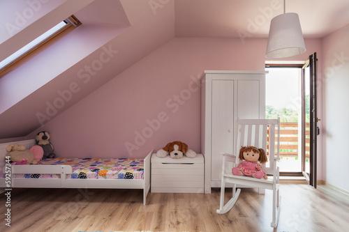 Urban apartment - girl's room