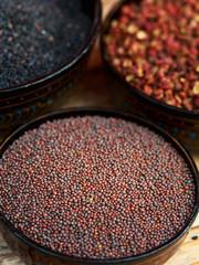 Brown mustard seeds - semi di senape marrone