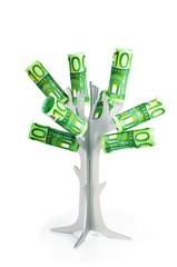 Baum mit 100-Euroscheinen vor weißem Hintergrund