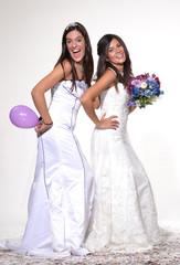 Amigas celebrando en fiesta de boda,matrimonio,novias.