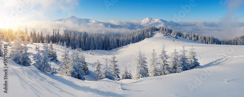 Foto op Canvas Bergen Panorama of winter mountains