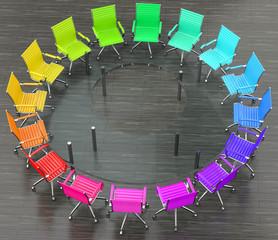 Glastisch mit bunte Stühle
