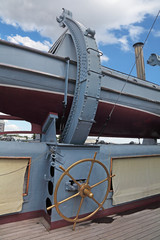 Handwheel for launching of boats on the water on old ship