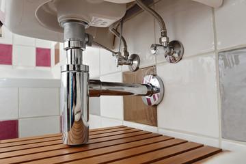 siphon évier salle de bain