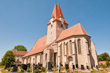 alte romanische Kirche