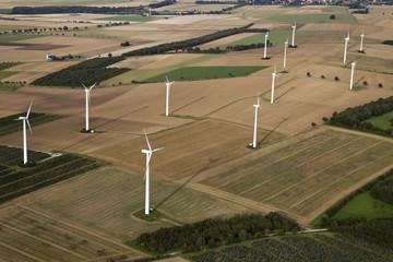 Landschaftsluftaufnahme Windräder