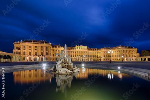 Schloss Schönbrunn Wien beleuchtet