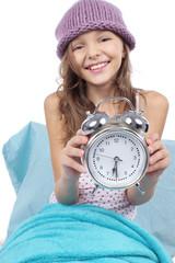 Lachendes Kind mit Wecker - Aufstehen - child wakeup call
