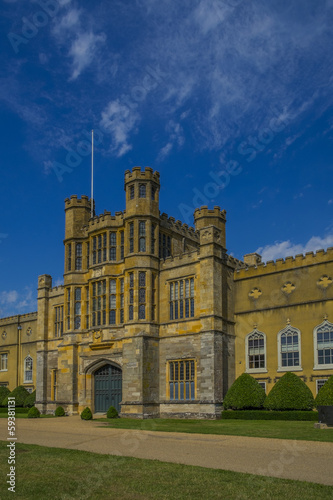coughton court warwickshire