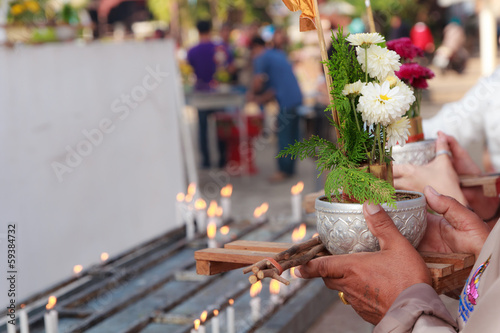 Buddhist praying-3