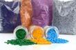 Glasröhrchen mit farbigen Masterbatch Kunststoffgranulat - 59401189