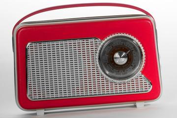 Rotes Kofferradio