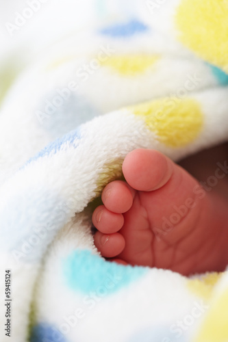 baby foot in blanket