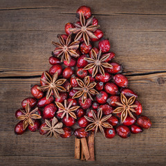 Christmas tree made of cinnamon, anise