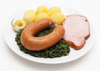 Grünkohl mit Bregenwurst und Kasseler