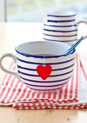 Grosse Tasse mit Tee