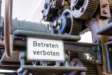 Betreten verboten - Hinweisschild