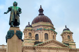 Christopher Columbus statue and courthouse in Syracuse NY