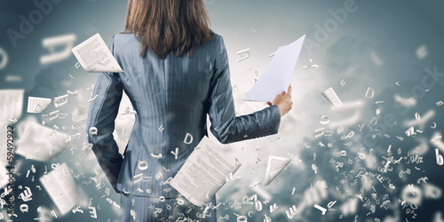 Woman secretary - 59492922