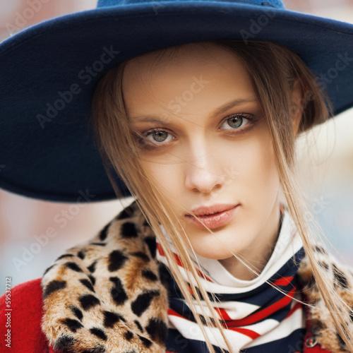 fashion model outdoor portrait - 59537712