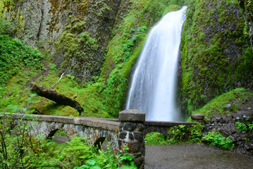 Falls. USA. Oregon state.