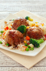 Meatballs with rice and vegetables