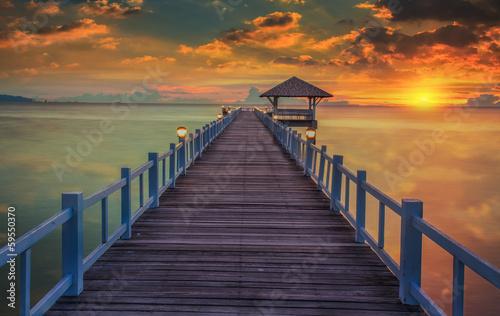 Fototapety, obrazy : Wooded bridge