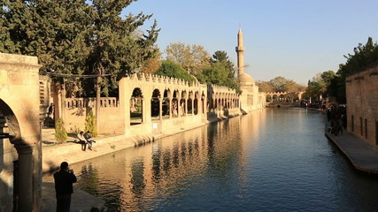 fish lake and Halil-ur Rahman Mosque, wide angle pan shoot