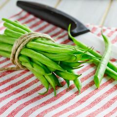 grüne Bohnen gebunden