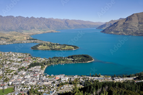 Queenstone and Wakatipu lake, New Zealand