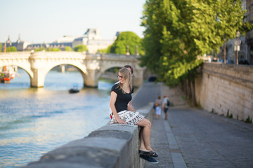 Dating couple in Paris on a summer day