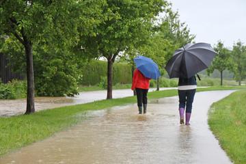 Unwetter - 004 - Regen - 2Frauen