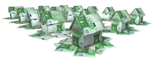 """""""Поселок"""" из домиков, сложенных из купюр по 100 евро"""
