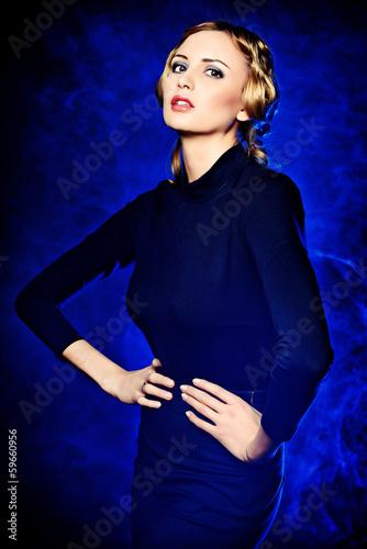 actress posing