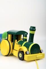 treno giocattolo in legno