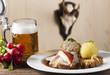 Bayerischer Schweinbraten mit Bier