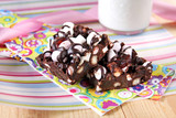 rocky road auf bunter serviette
