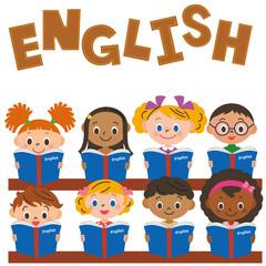 英語の勉強をする子供達