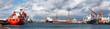 Leinwanddruck Bild - Hafenalltag in Bremerhaven