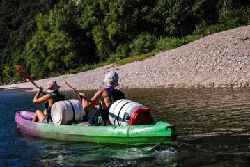 Canoë sur la rivière l'Ardèche.