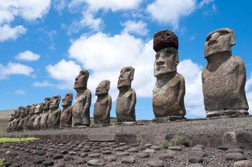 Moais en Ahu Tongariki, isla de Pascua (Chile)