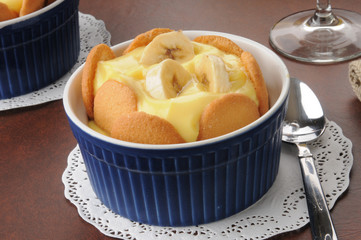 Vanilla pudding with bananas