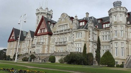Magdalena Palace in Santander view