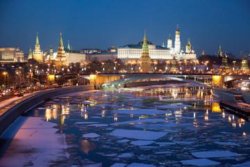 Вид на Москва-реку и Кремль