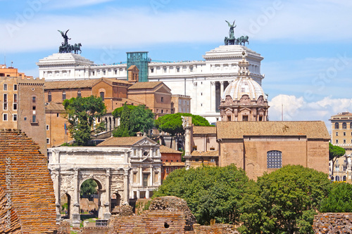 Foto op Aluminium Oude gebouw Palace of Victor Emmanuel on the background of the Roman Forum,