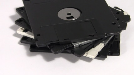 Floppy 3,5 disks turning