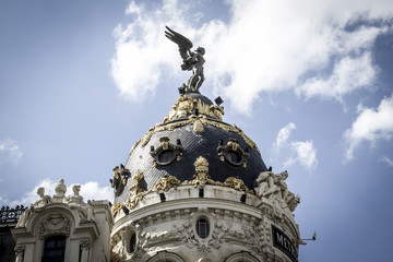 Metropolis building, Image of the city of Madrid, its characteri